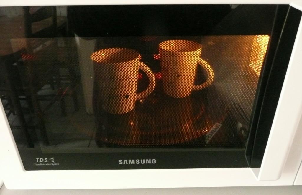 Zet ze ongeveer 35 minuten in de oven op 150 graden