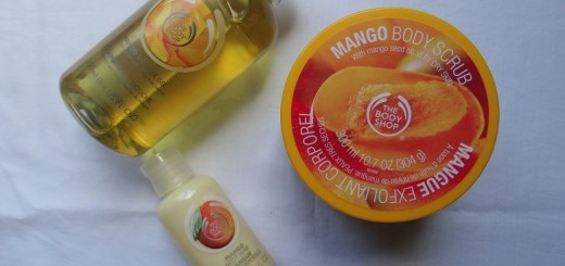 The- Body-Shop- Mango- scrub- gel- bodywhip- review