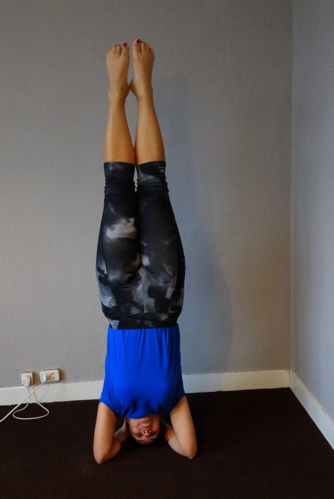 yoga headstand All Lovely Things