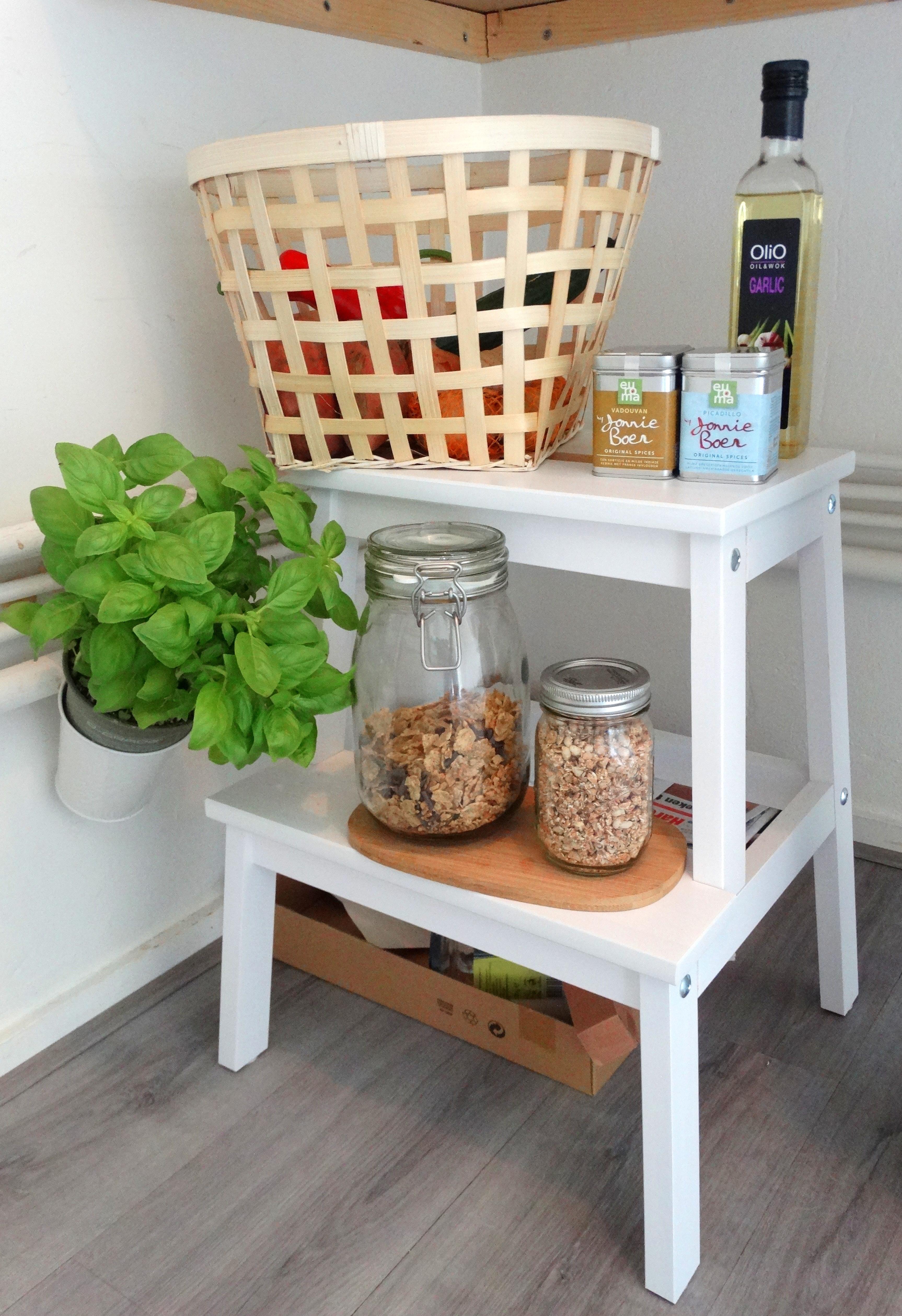 Kijkje in mijn nieuwe keuken all lovely things - Top plastic krukje ...