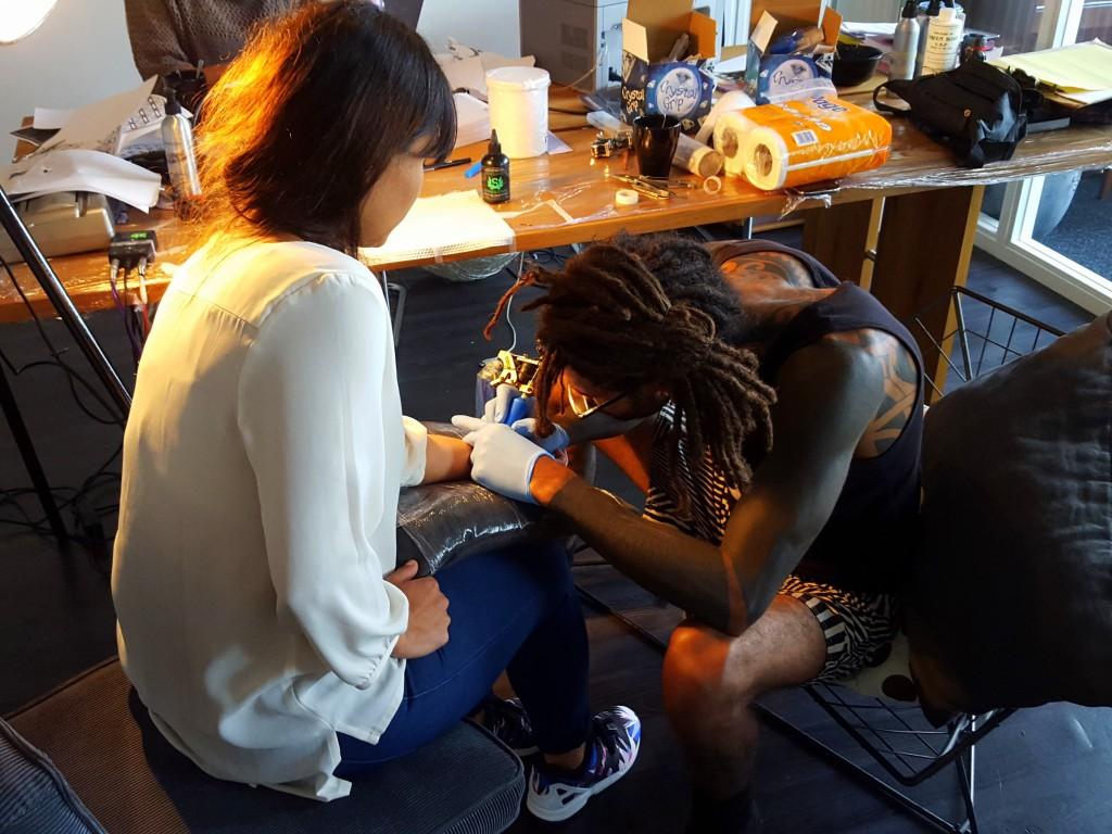 tattoo laten zetten jean
