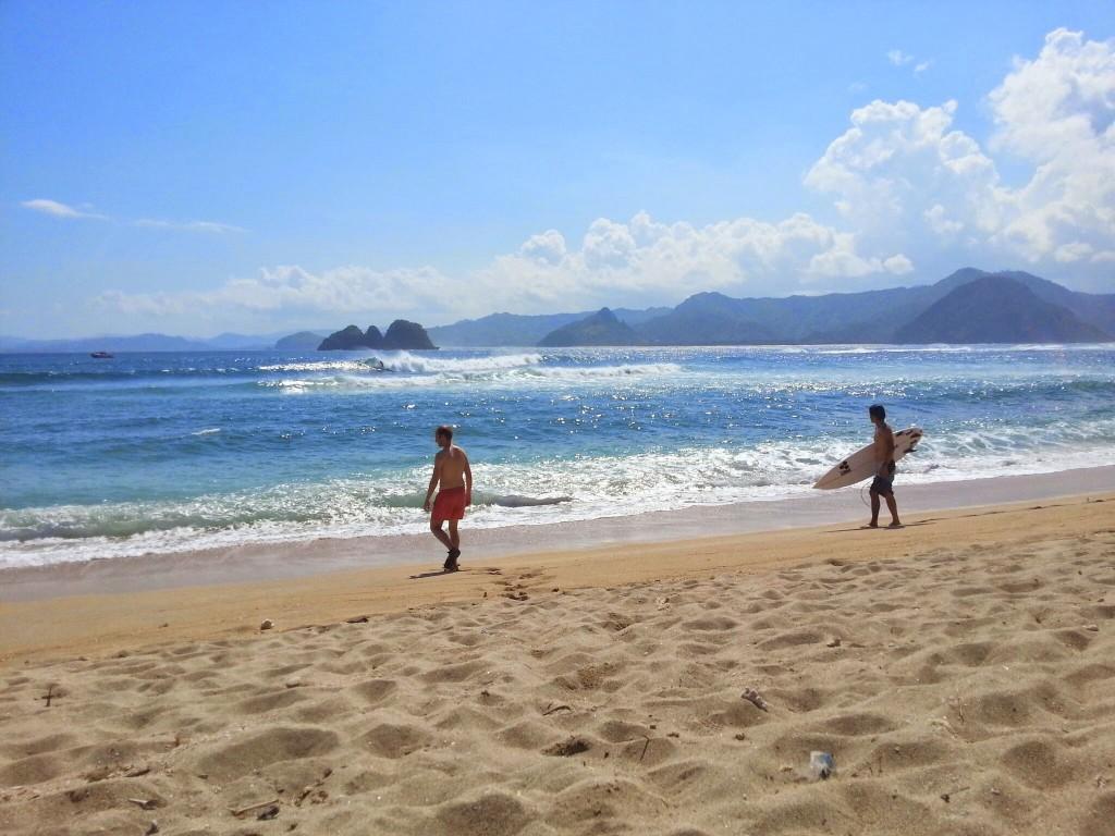 surfen mawi beach kuta lombok
