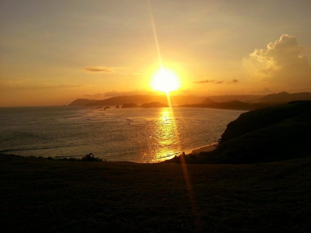 sunset tanjung aan lombok kuta