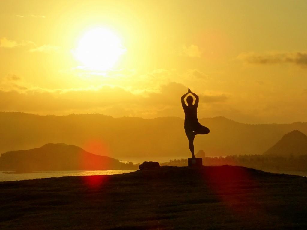 tanjung aan yoga sunset