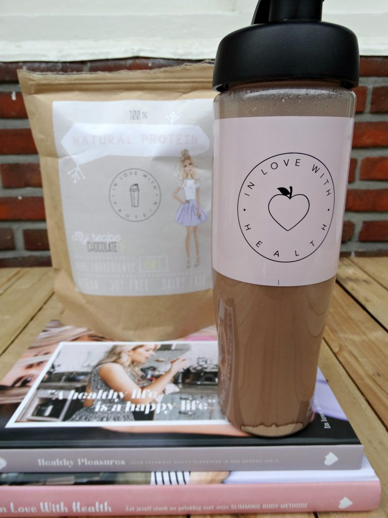 eiwitshake in love with health review shake beker