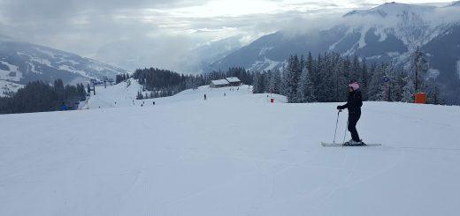 skien in saalbach hinterglemm Oostenrijk
