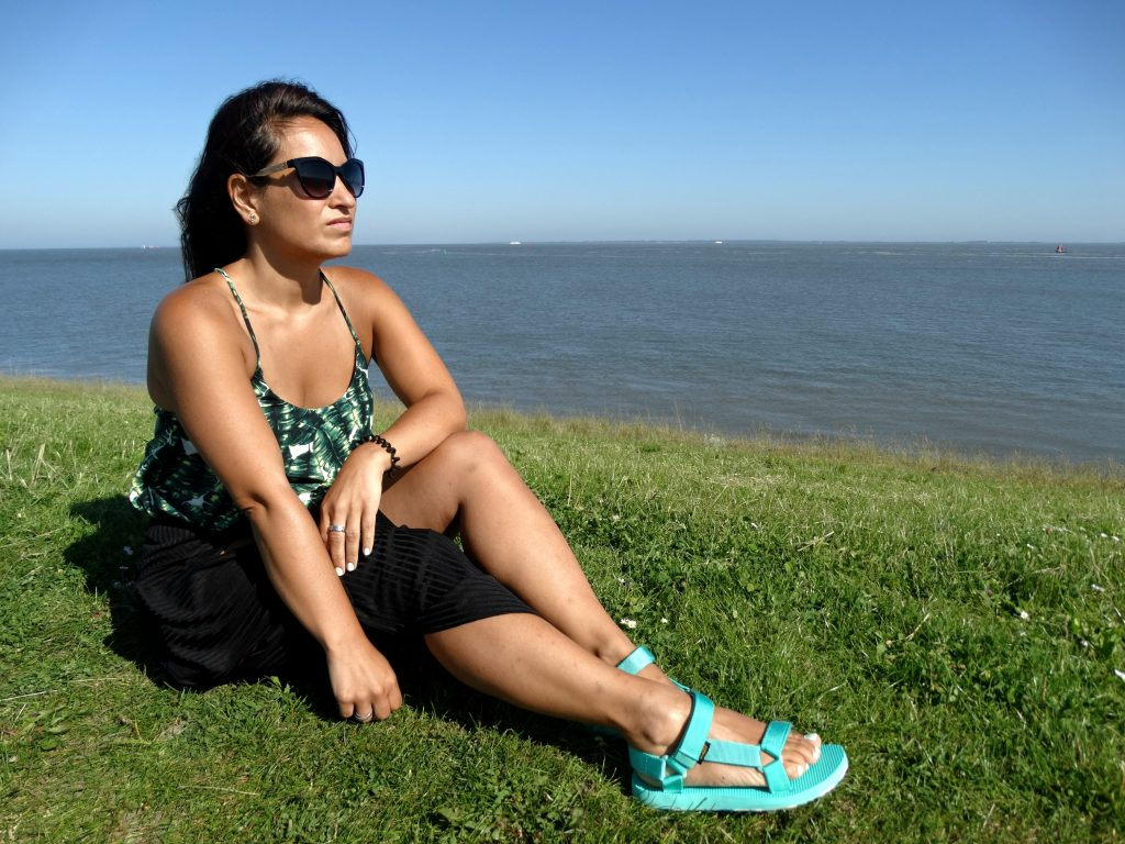 teva review outfit look