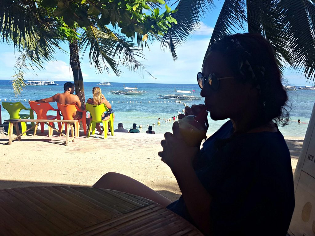 alona beach doen in bohol