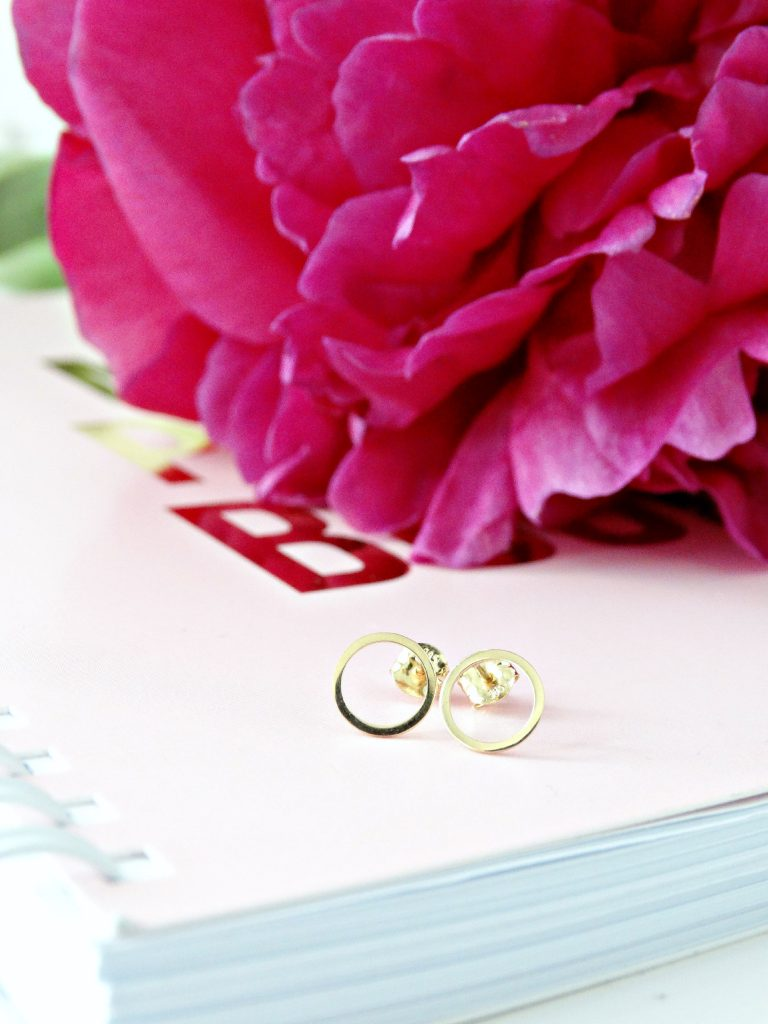 gouden oorknopjes oorbellen mostert juweliers