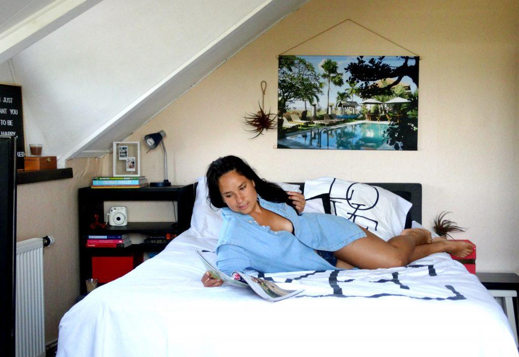 lezen bed slaapkamer rusten foto op textielposter interieur home