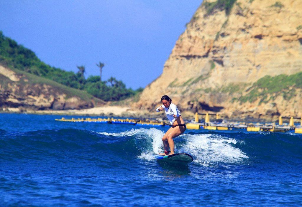 surfen gerupuk lombok indonesie reizen met een beperking slow travel
