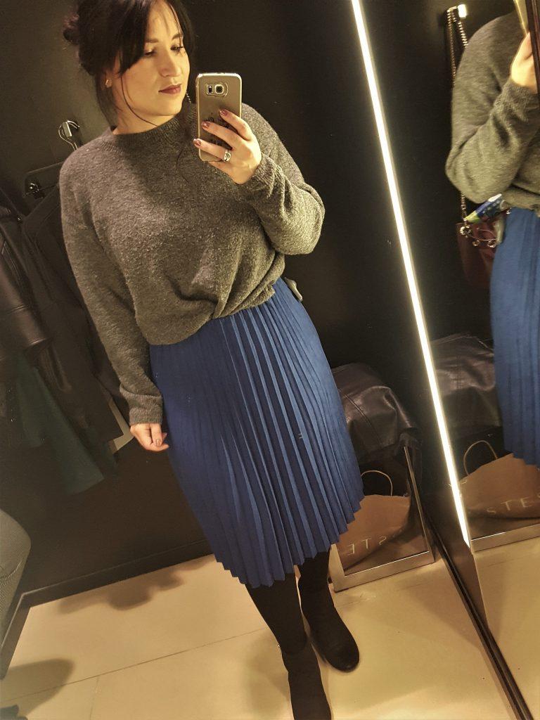 plisse rok oversized trui rok in de winter fashion ootd