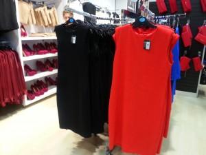 Een mooie rode of zwarte chique jurk is ook altijd goed