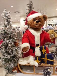 De Kerstbeer in Kaufhof Galeria