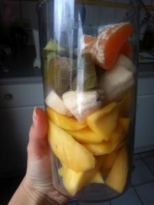 Shake met mango, banaan, kiwi en madarijn.