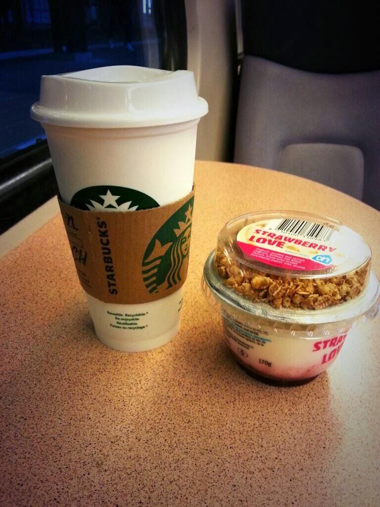 Een skinny non water Chai Latte en een yoghurt als lunch