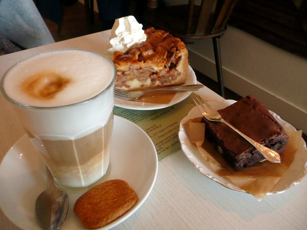Heerlijke koffie met gebak