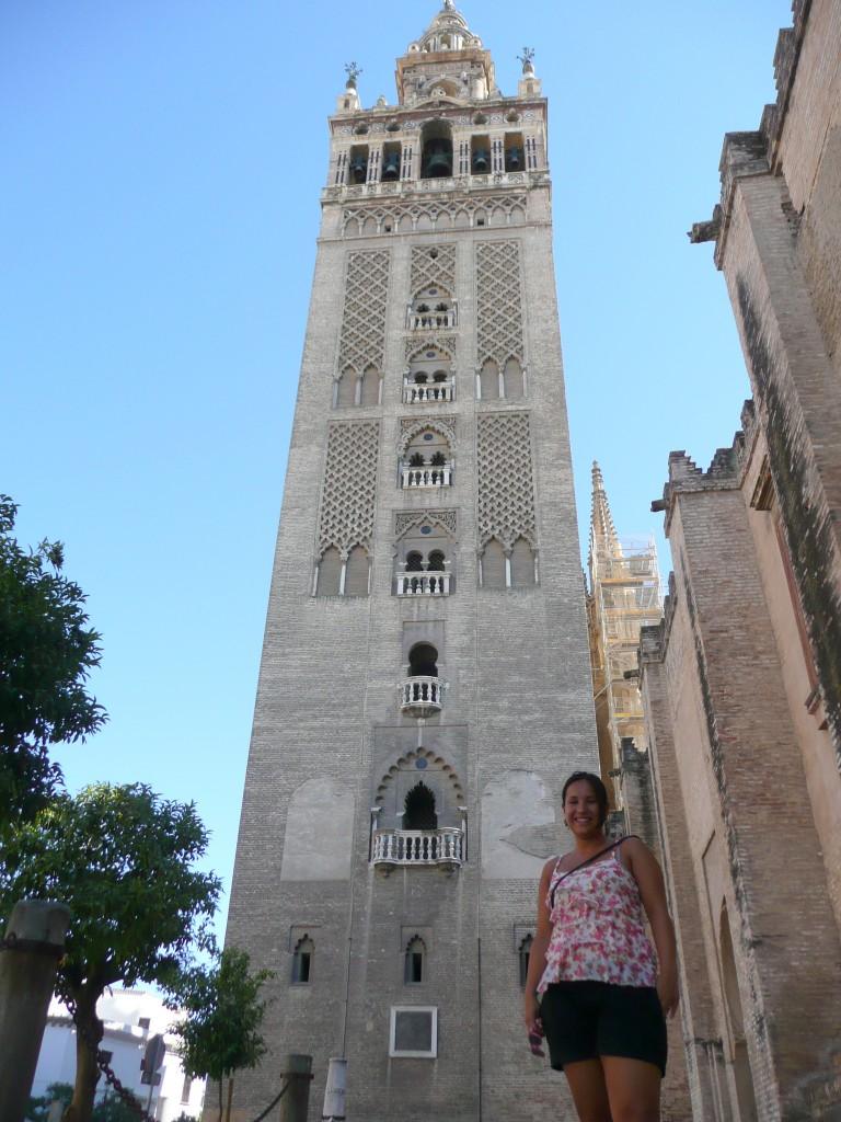 Bij de prachtige kathedraal van Sevilla