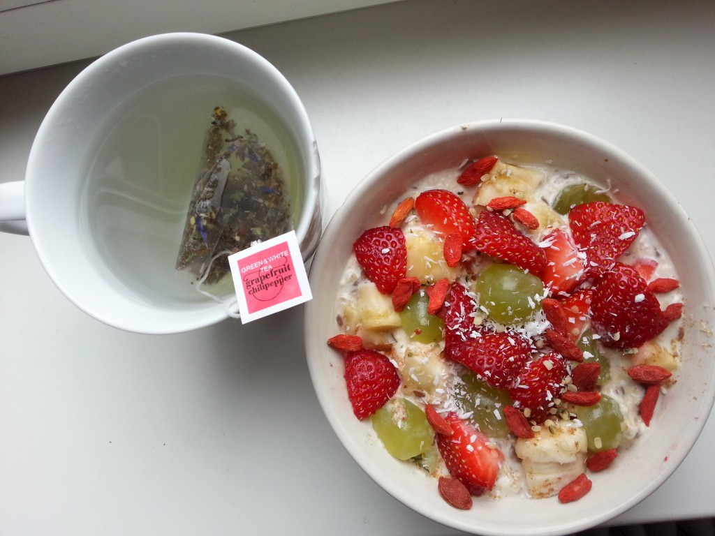 Diary healthy lunch thee havermout oats fruit superfood