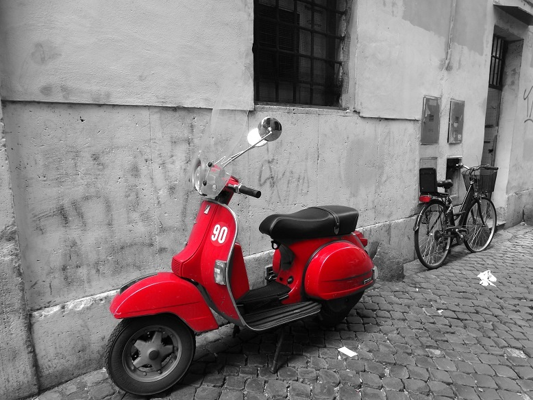 Rome travel tips stedentrip scooter rood