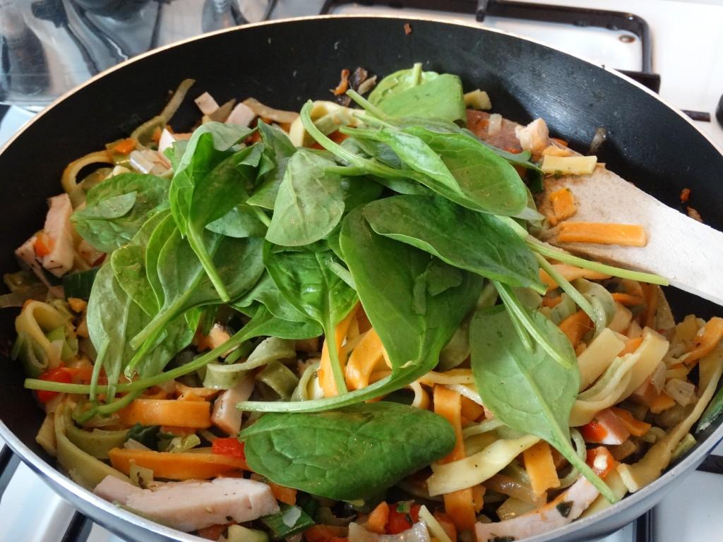 Easy-cooking-recept-pasta-gerookte-kip-kokosmelk