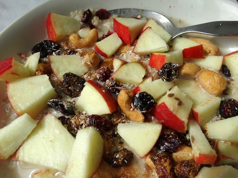 Fruit-havermout-healthy-food-lunch