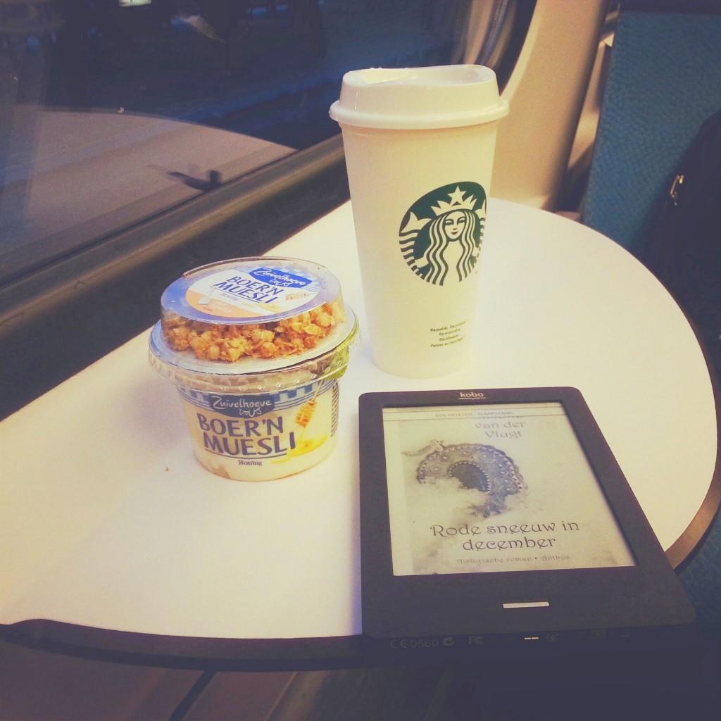 Starbucks-yoghurt-ereader-diary
