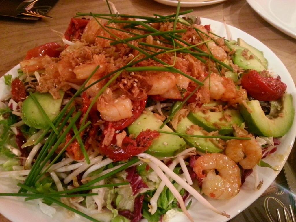 Blonde Pater Nijmegen salade met garnalen