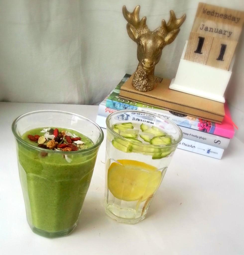 groene smoothie fruit water