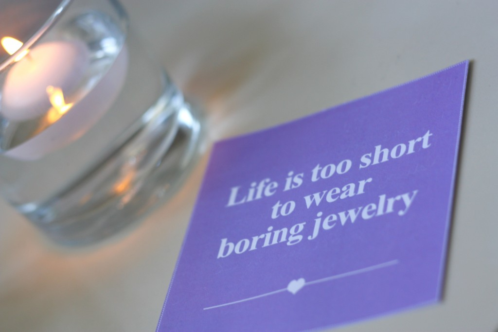 Life is to short to wear boring jewelry Lucardi More Initials ketting
