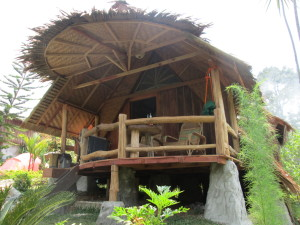 on-the-rocks-bukit-lawang-HONEYMOON-ROOM1-300x225