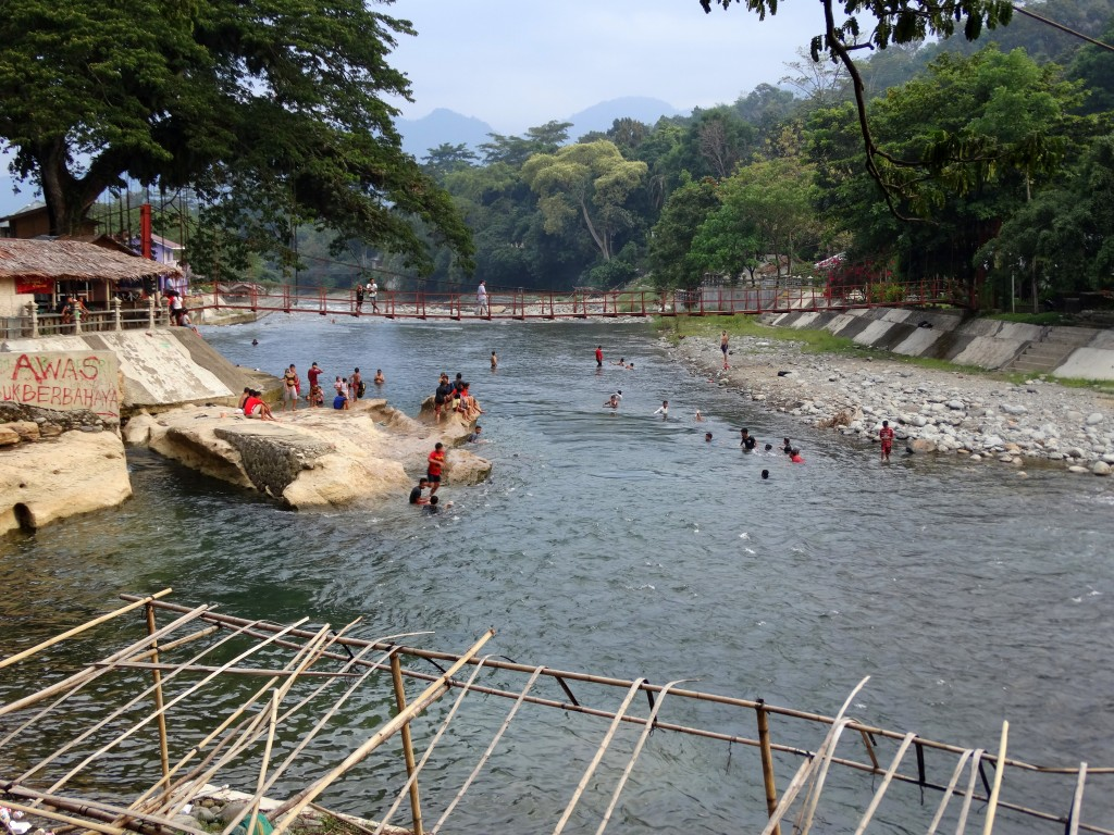 Sungai Bohorok bukit lawang