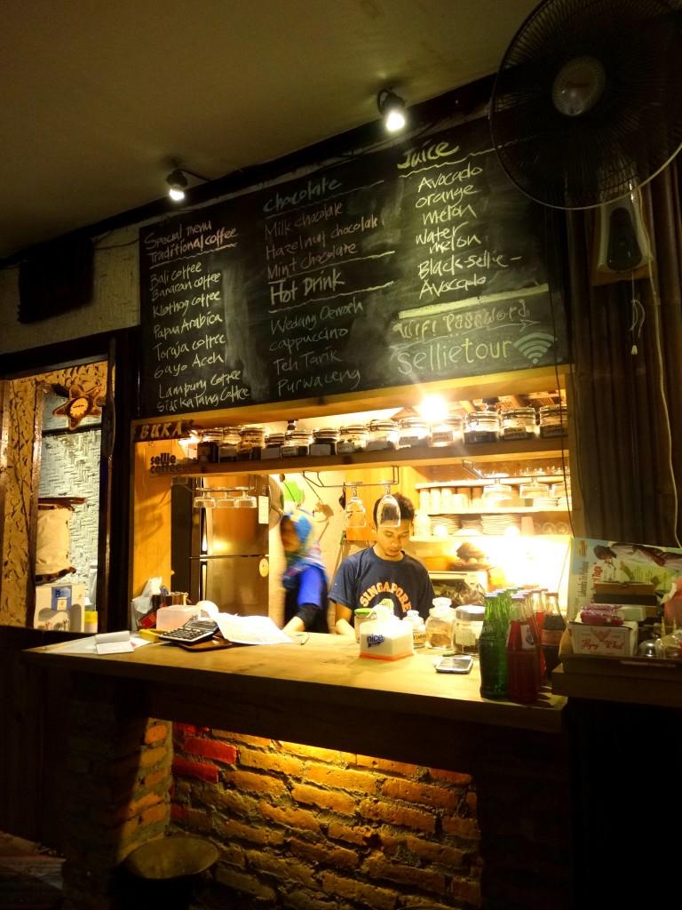 bar sellie coffee yogyakarta
