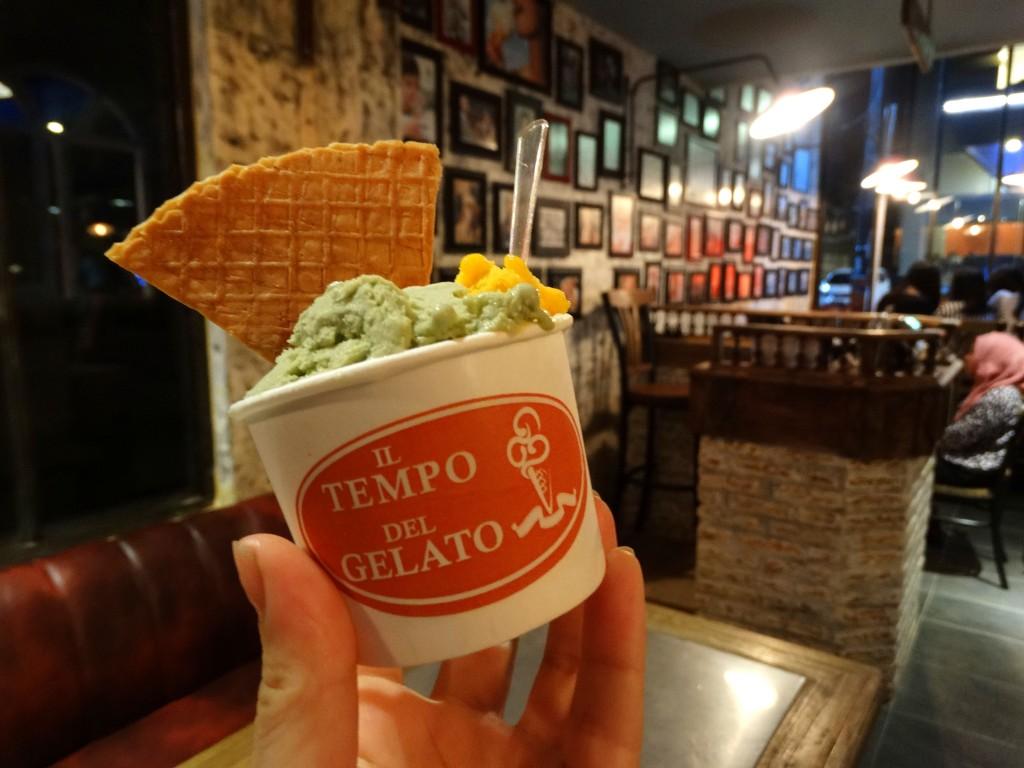 il tempo del gelato, green tea and mango