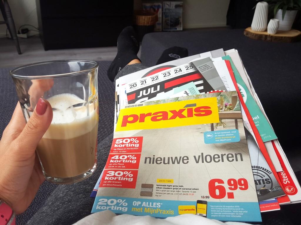 folders en koffie