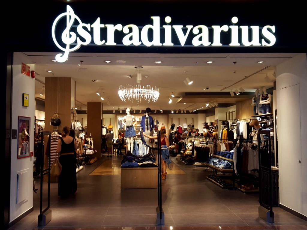 Stradivarius aguilas winkelcentrum