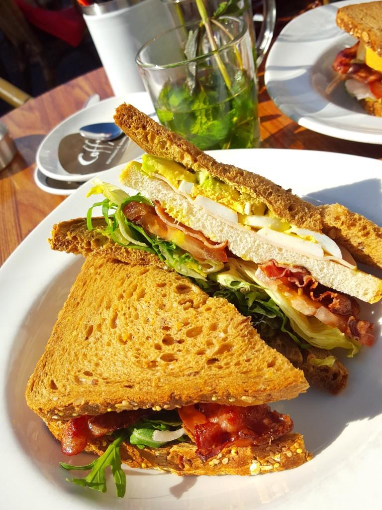 lunch camelot nijmegen clubsandwich kip