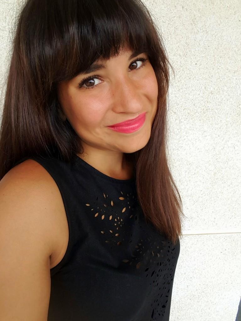simpele make up look little black dress