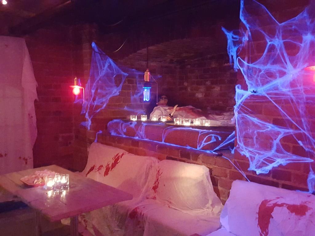 halloween decoratie lijk spinnenwebben