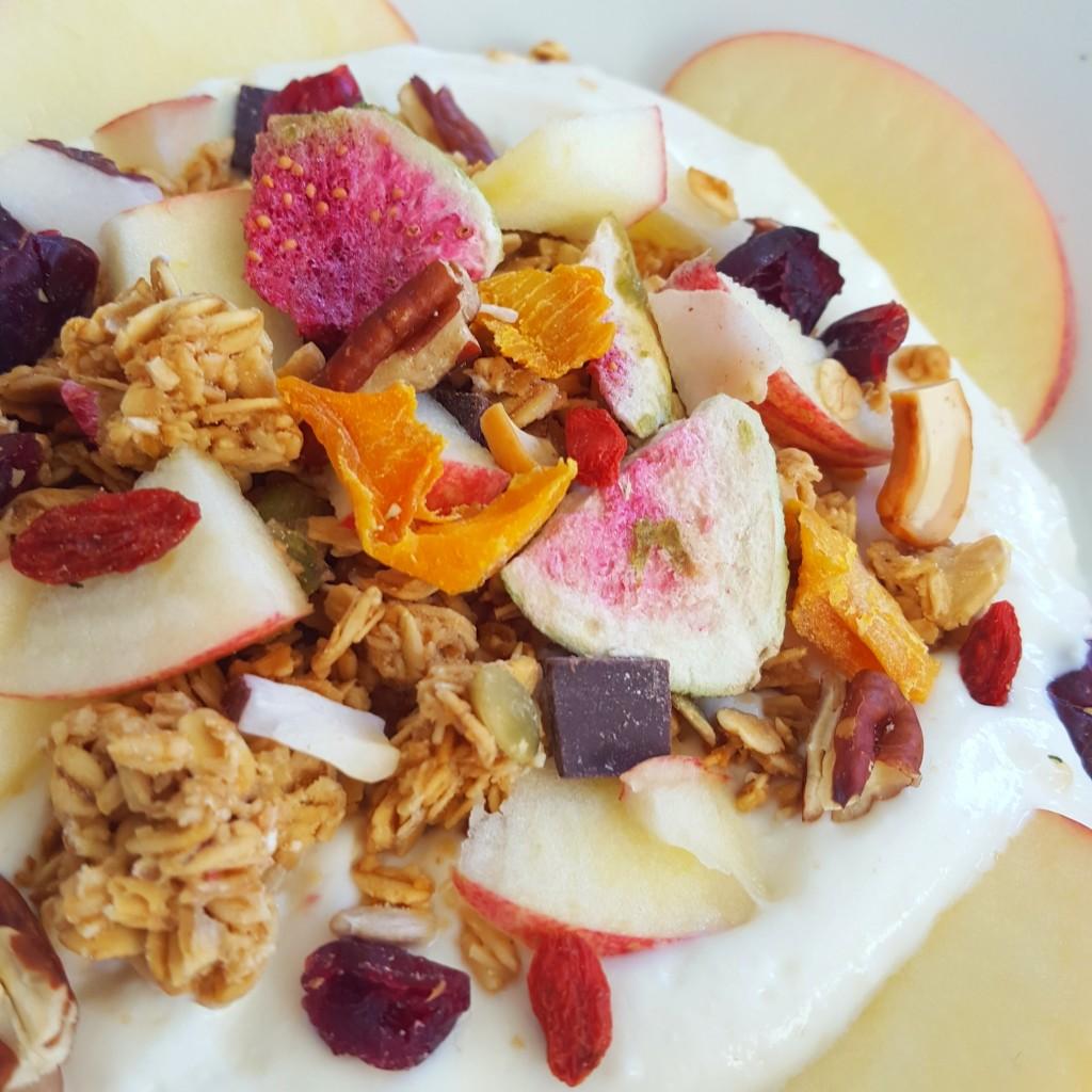 griekse yoghurt met fruit granola