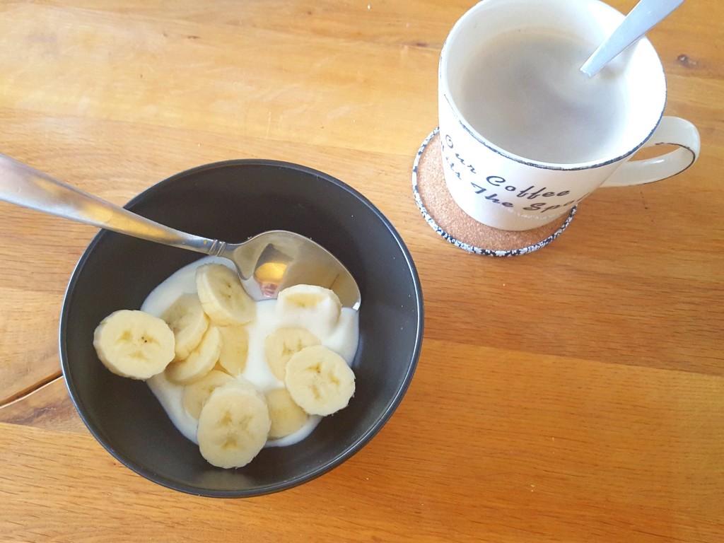 Koffie en kwark met banaan