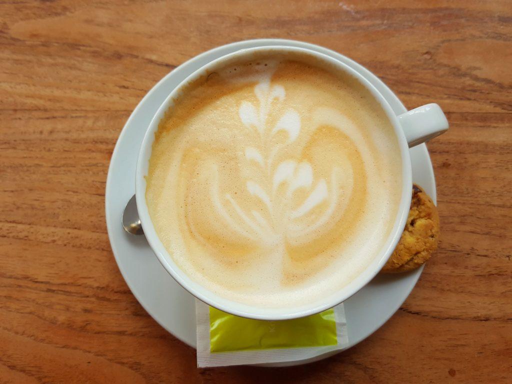 koffie blonde pater