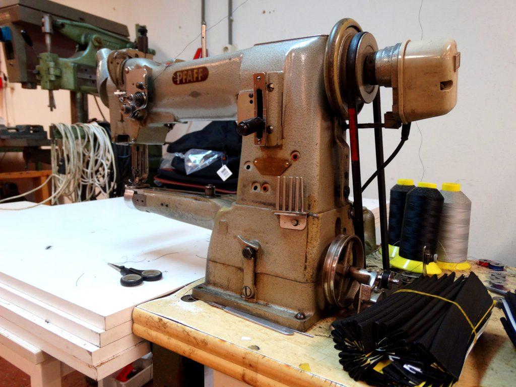 oude naaimachine pfaff fastrider