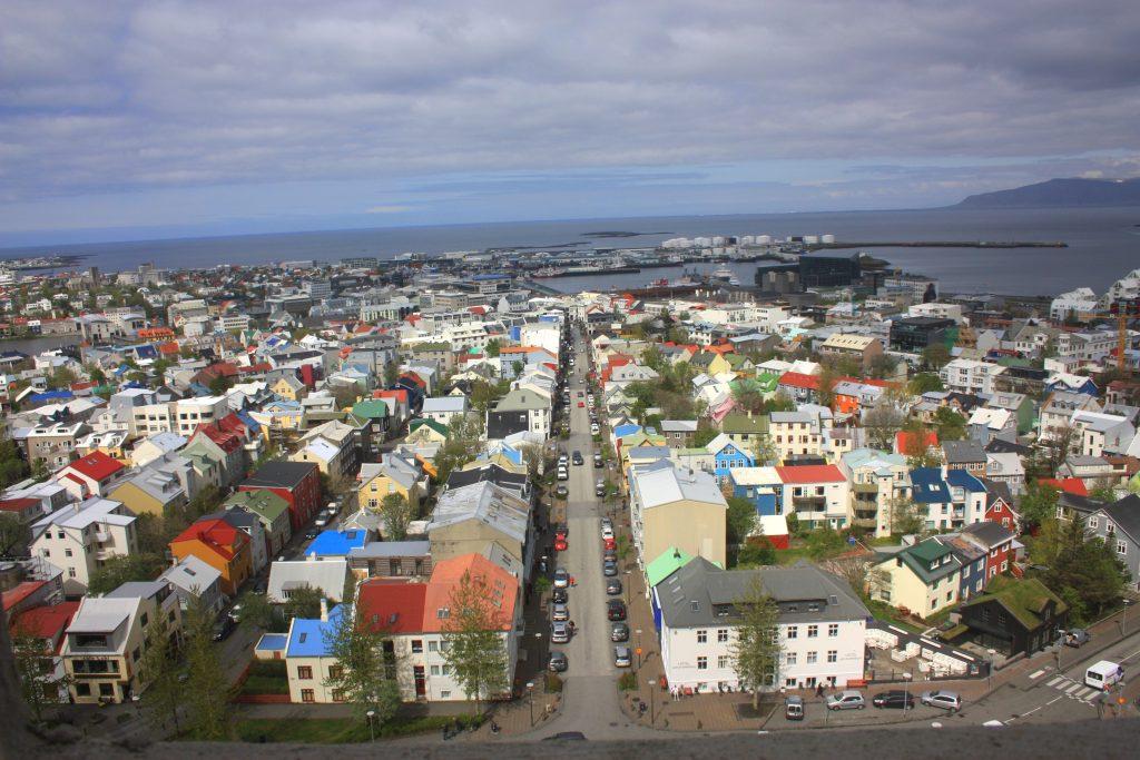 reykjavik vanuit de hallgrimskirja ijsland