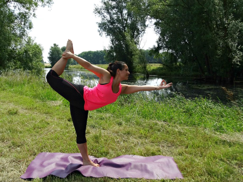 Dancer pose yoga travel mat