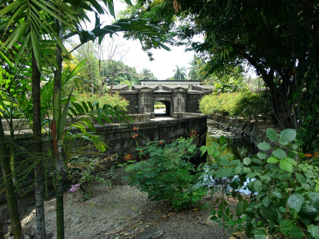 puerta real gardens manila