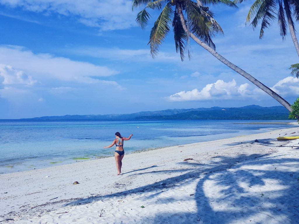 summer tag filipijnen strand siquijor palmbomen