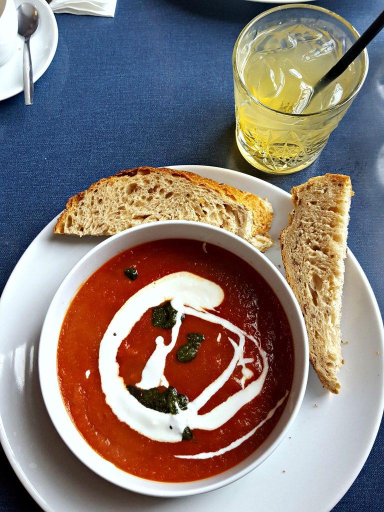 tomaten paprika soep lunchen bij meesterproef