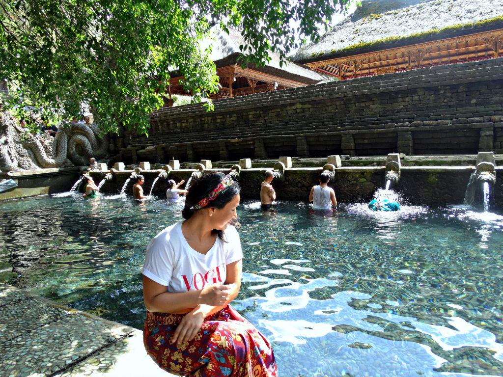 tirta empul bali holy water indonesie resiroute