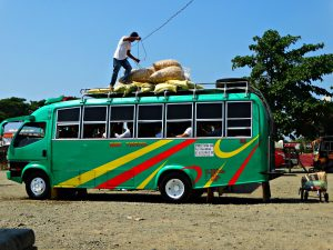vervoersmiddelen op vakantie touringcar bus filipijnen reizen